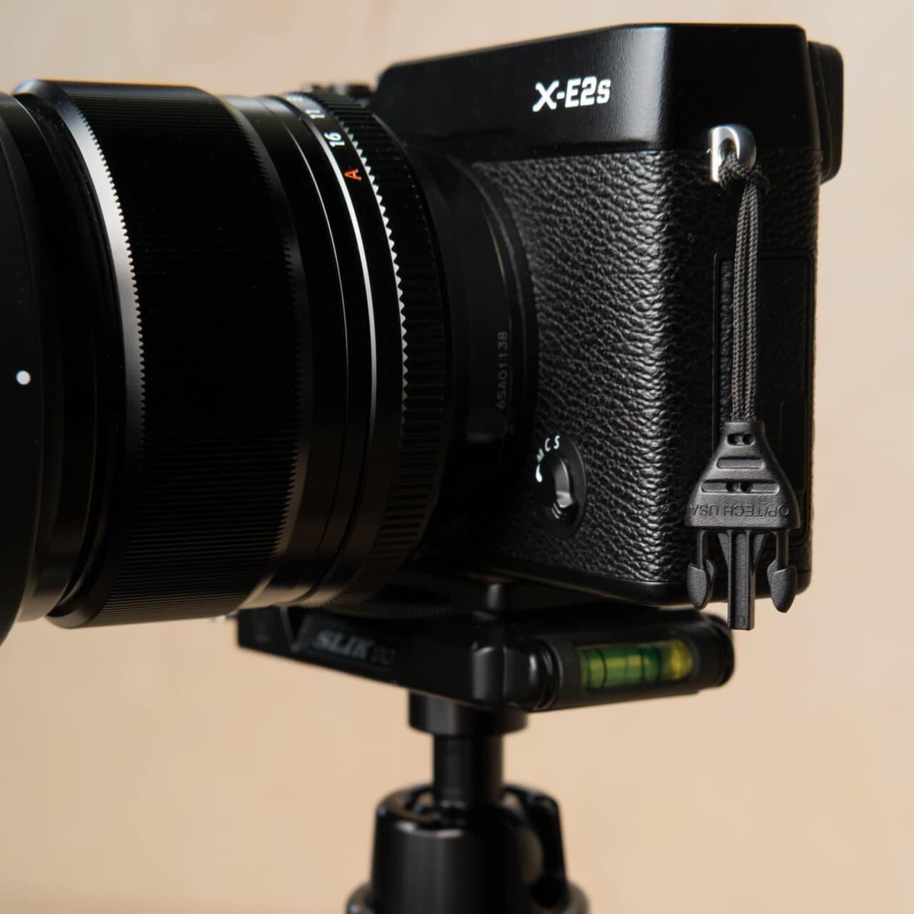 Op/Tech Mini QD Loop™ Connector on Fujifilm X-E2s