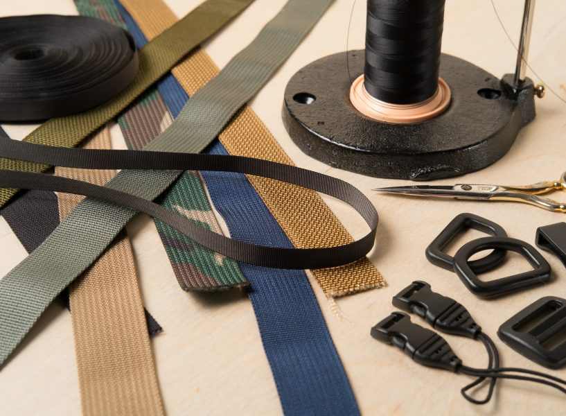 The M1a Mirrorless Camera Strap uses carefully selected rugged materials.