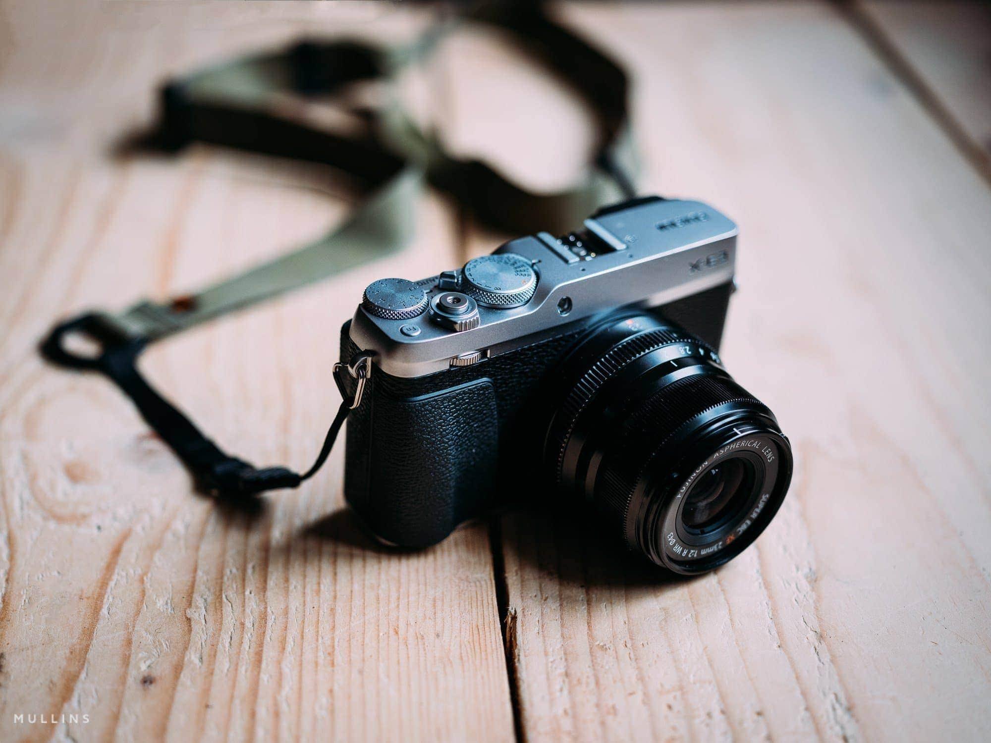 M1a मिररलेस कैमरा स्ट्रैप केविन मुलिंस की X-E3 पर