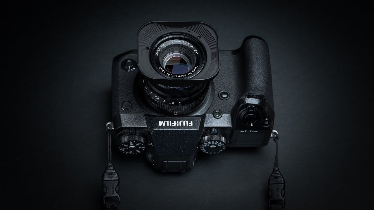 Palle Schultz's Fuji X-H1 with Simplr M1a Mirrorless Camera Strap