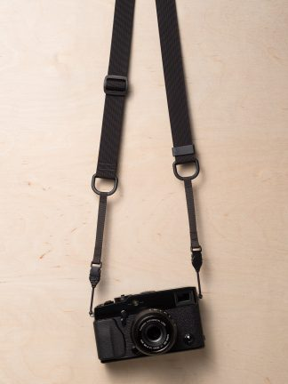 M1a Mirrorless Camera Strap in Black on Fujifilm X-Pro2