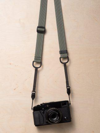 M1a Mirrorless Camera Strap in Castor Gray on Fujifilm X-Pro2