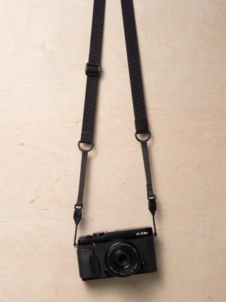M1ultralight Mirrorless Camera Strap on Fujifilm X-E2s