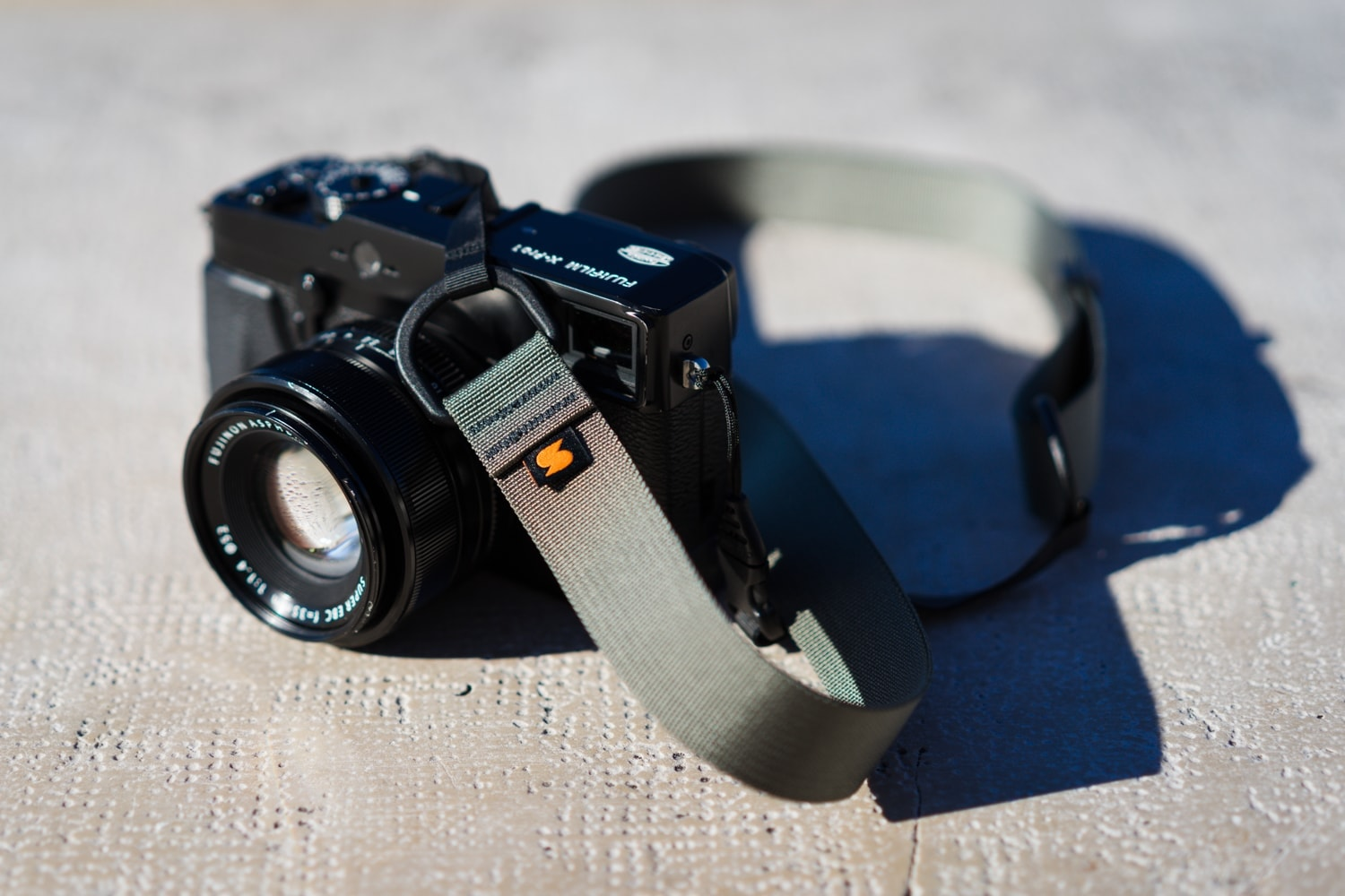 Simplr M1a Mirrorless Camera Strap Review at fujixpassion.com