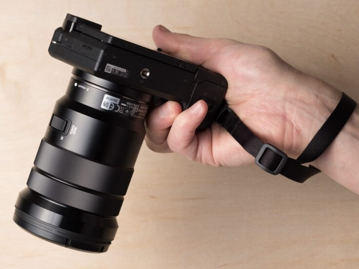 Simplr M1w Mirrorless Wrist Strap on Sony Alpha a6300