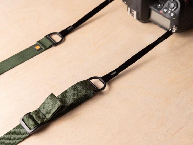 Simplr F1 kamera slyngebånd på Nikon DSLR
