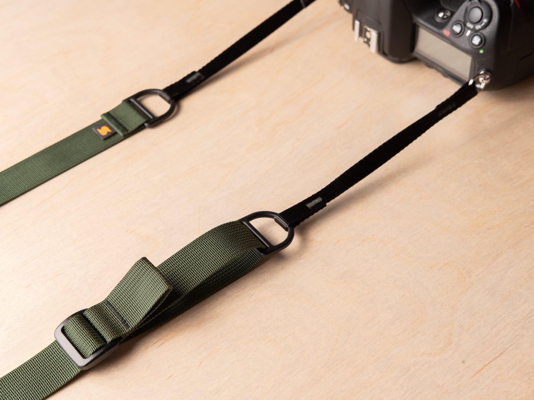 Nikon DSLR पर सरल F1 कैमरा स्लिंग स्ट्रैप