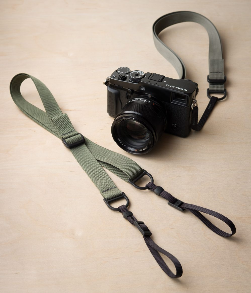 F1 Sling-Style fényképezőgép szíj, szürke a Fuji X-Pro2-on