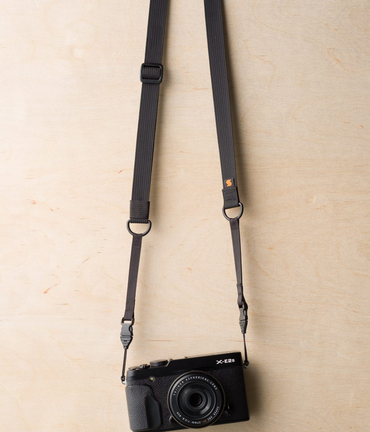 M1ultralight Camera Strap on Fuji X-E2s in Black