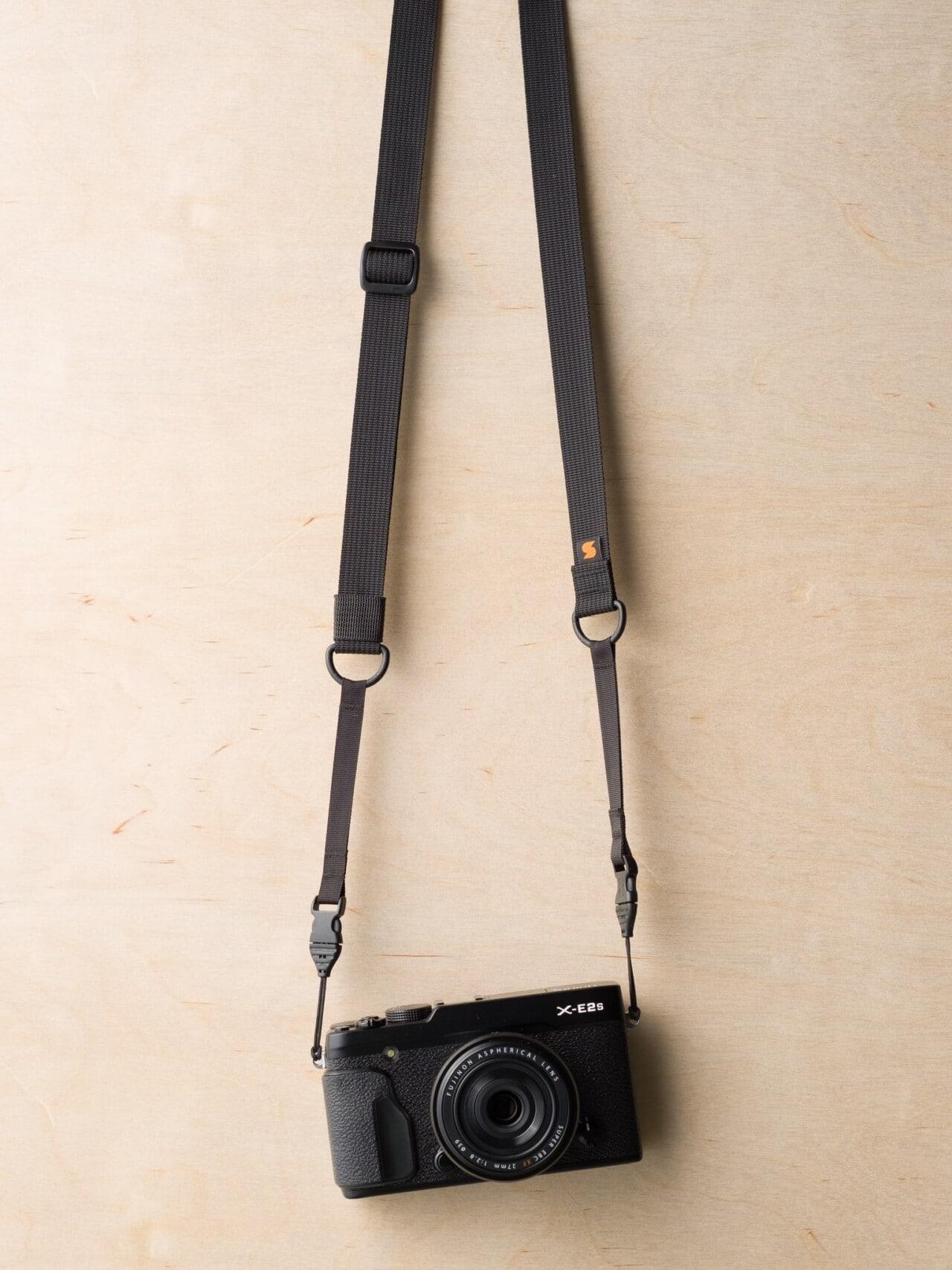 M1ultralight Camera Strap on Fuji X-E2s in Black