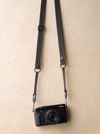 Dragonne pour appareil photo M1ultralight sur Fuji X-E2 en noir