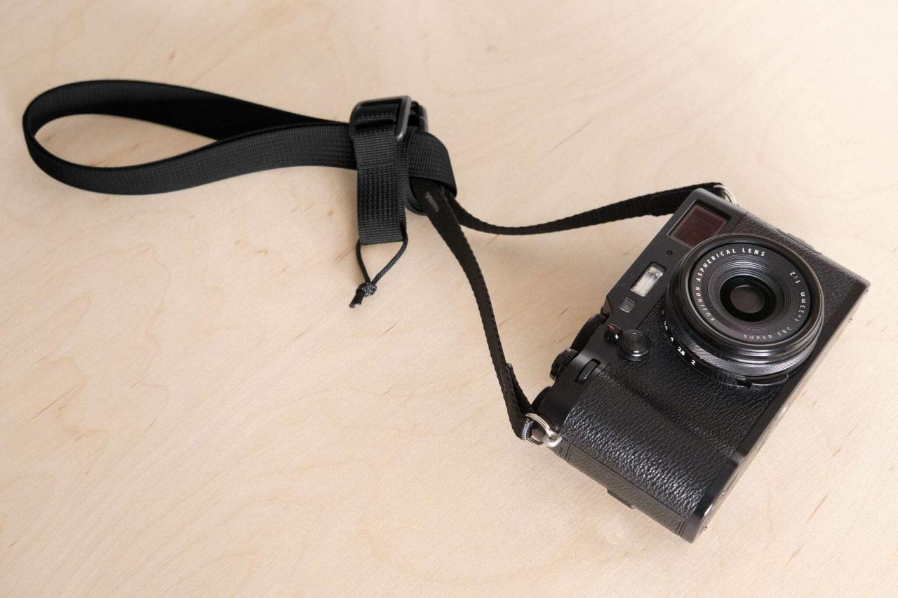 Convert your F1ultralight to a short wrist strap by tying it in a knot.